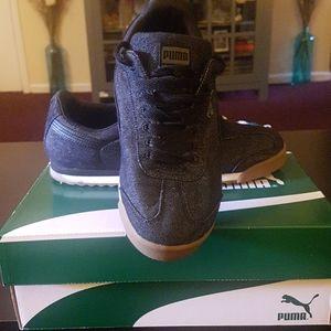 Men puma sneakers